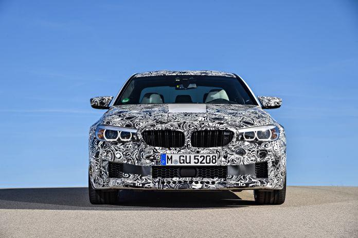 Der neue BMW M5 mit M xDrive.