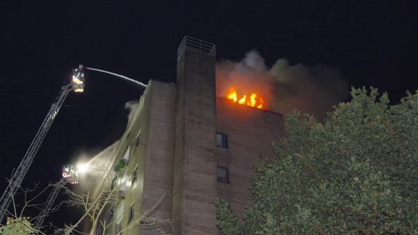Delmenhorst, Feuer, Hochhaus, Feuerwehr,Brand