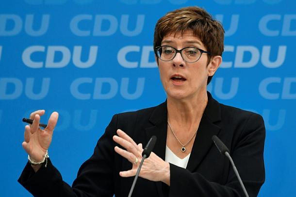 AKK,Politik,Berlin,News,Medien,Aktuelle,Nachrichten,Kramp-Karrenbauer,für,die,Klimaschutz